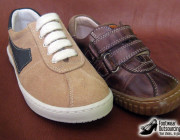Children Sneakers in Suede and with Velcro straps